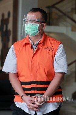 Mantan Menteri Kelautan dan Perikanan (KKP), Edhy Prabowo usai menjalani pemeriksaan lanjutan di Gedung KPK, Jakarta Selatan, Kamis (18/3/2021). Edhy Prabowo diperiksa dalam kasus dugaan penerimaan suap perizinan tambak, usaha dan atau pengelolaan perikanan atau komoditas perairan sejenis lainnya tahun 2020. Tribunnews/Irwan Rismawan
