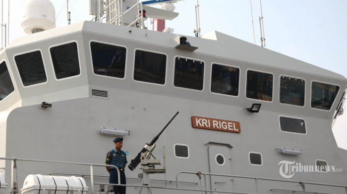KRI Rigel-933 tiba di Pelabuhan Tanjung Priok, Jakarta Utara, Jumat (15/5/2015). Alutsista baru TNI AL buatan Perancis yang diklaim berteknologi paling canggih se-Asia dalam survei dan pemetaan bawah laut tersebut tiba di Jakarta setelah berlayar selama 50 hari dari Perancis.