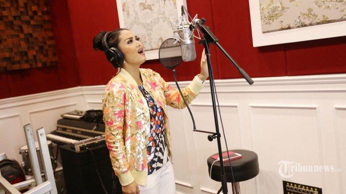Isi Film Ayat-Ayat Cinta 2, Krisdayanti Terima Input Suami Melly Goeslaw