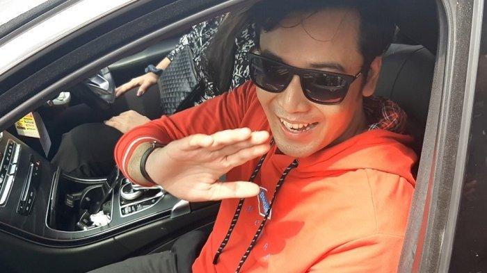 Kriss Hatta saat ditemui usai keluar dari LP Cipinang, Jakarta Timur, Minggu (22/12/2019).