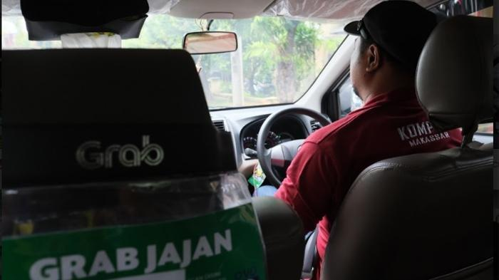 Kristian Elwarin Mitra Pengemudi GrabCar yang mampu sekolahkan anaknya dan beli mobil bersama GrabCar.