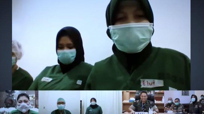 KSAD menggelar video conference dengan petugas medis di RSPAD Gatot Subroto.