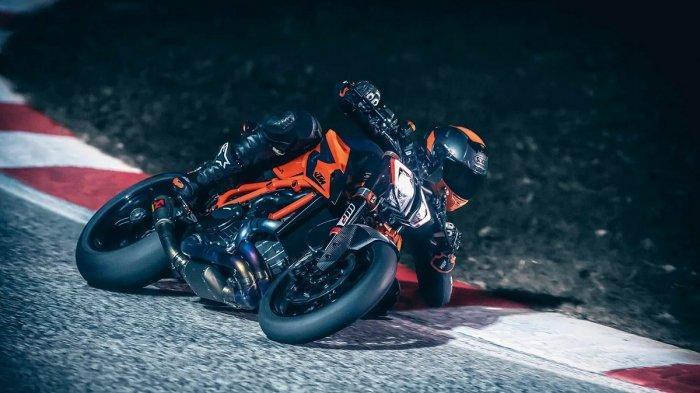 KTM Siapkan Edisi Terbatas 1290 Super Duke R