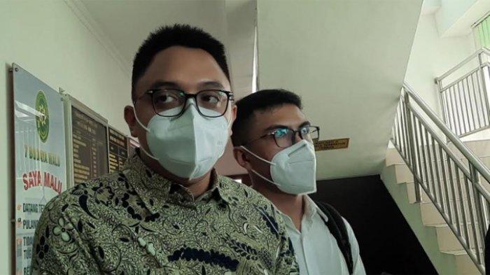 Kuasa hukum Askara Parasady Harsono, Benedictus Wisnu saat ditemui usai persidangan di Pengadilan Negeri Jakarta Barat, Senin (24/5/2021).