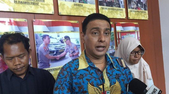 Kuasa hukum keluarga korban pembunuhan APA (5), Azam Khan di Polres Metro Jakarta Pusat, Senin (9/3/2020)