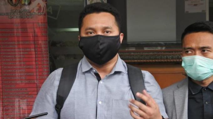 Tak Hadiri Pemanggilan Polda Metro Jaya, Eggi Sudjana Pilih Rayakan Ultah dengan Keluarga