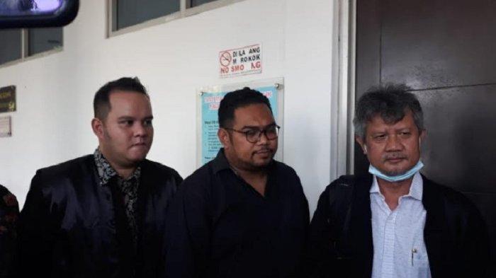 Kuasa Hukum Reza Artamevia saat ditemui di PN Jaktim, Kamis (20/5/2021).