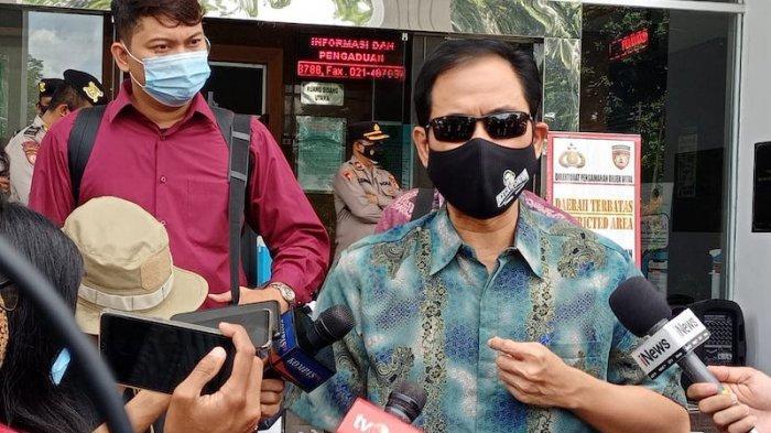 Bicaranya Dipotong, Munarman Bentak Jaksa: Ini Giliran Saya, Saudara Diam!