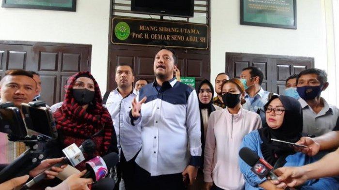 Fakta Baru Persidangan Vicky Prasetyo, Ibu RT di Kediaman Angel Lelga Diminta Tandatangani BAP