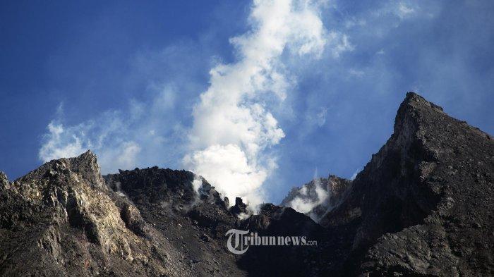 UPDATE Senin Hingga Pukul 06.00, Tercatat 8 Kali Guguran Lava Pijar Gunung Merapi