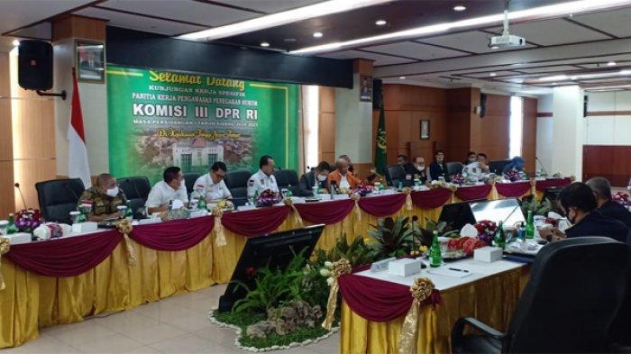 Hari Ini Komisi III DPR RI Kunjungan Kerja di Kejati dan Polda Jatim
