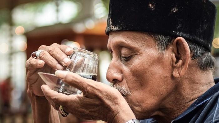 Kebiasaan Minum Kopi Tanpa Gula, Ini Manfaat Kesehatan yang Bisa Diperoleh