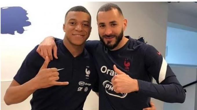 Saat Latihan untuk Pertandingan Melawan Wales, Timnas Prancis Disuguhi Atraksi Karim Benzema