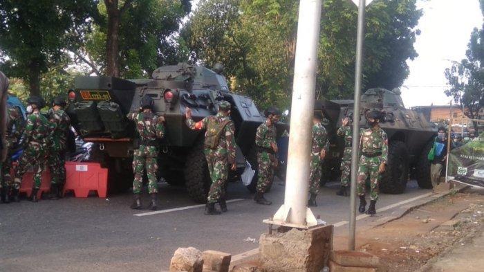 Jalan Lenteng Agung Pagi Ini Kembali Ditutup, Ada 2 Panser TNI dan Barracuda Polisi di Lokasi