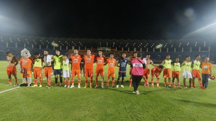 Update Transfer Liga 1: PSIS Pertahankan Fredyan Wahyu dan Komarudin, Borneo FC Lepas 12 Pemain