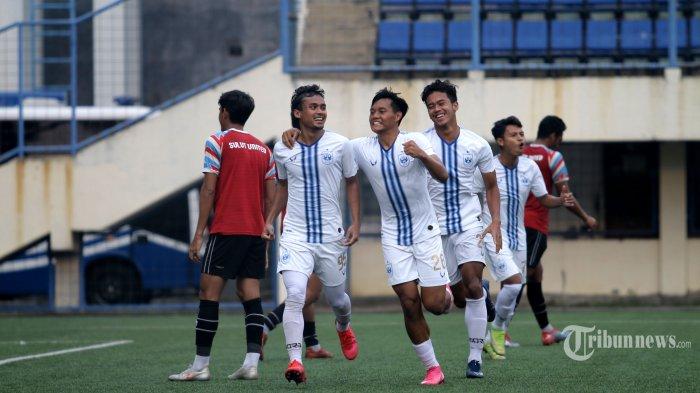 PSIS Semarang kembali meraih kemenangan dalam laga uji coba jelang kompetisi Liga 1 2021 bergulir menghadapi Sulut United, di Kota Semarang, Jawa Tengah, Sabtu (21/8/2021). PSIS menang tipis 1-0 lewat gol yang dicetak Komarodin pada babak kedua. Tribun Jateng/F Ariel Setiaputra
