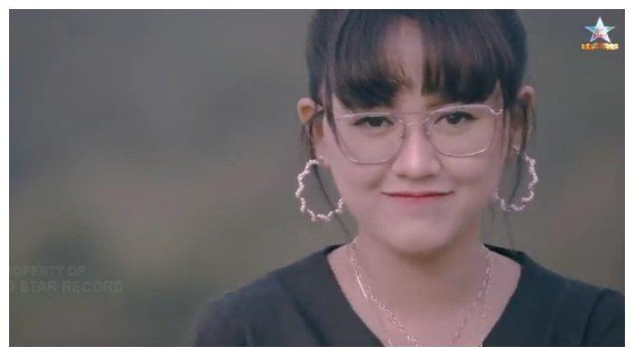 Lirik dan Chord Gitar Lagu Ati Sing Liyo - Happy Asmara dari C, Mudah Dimainkan
