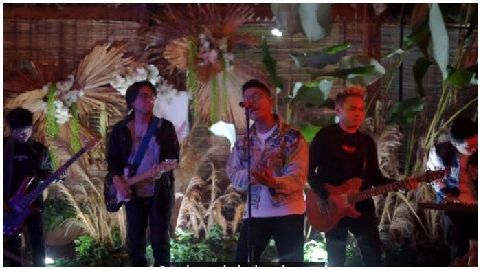 Chord Gitar dan Lirik Lagu Sesaknya Dada - Kangen Band, Kunci C: Sungguh Sakit Hati Ini