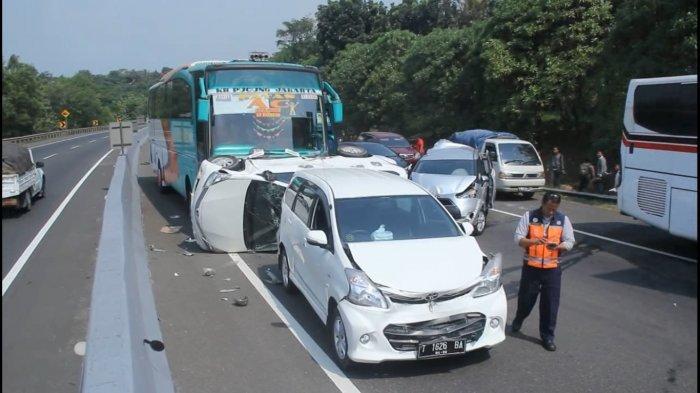 Dua Pemudik Meninggal Saat Menyetir di Jalan Tol Purbaleunyi