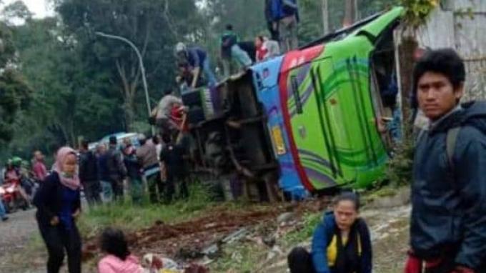 Penumpang Selamat Bus Terguling di Ciater Beri Kesaksian, Rosmala: Ngebut, Tapi Gak Bisa Dipelanin