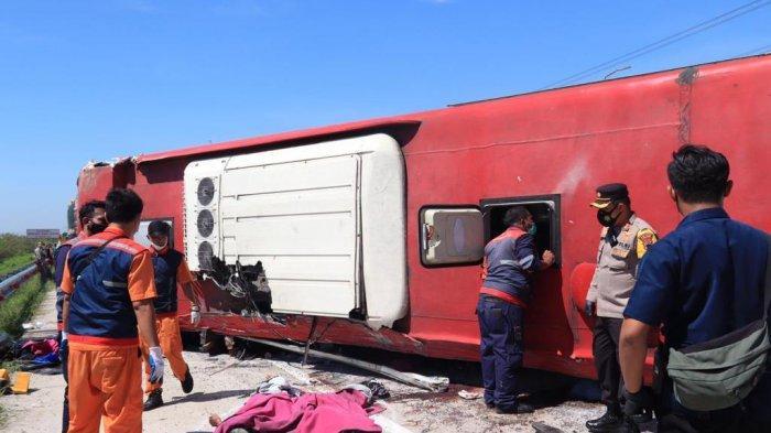 Fakta Laka Maut Bus Sudiro Tungga Jaya di Tol Pemalang: Melaju Kencang, Jejak Pengereman 3 Meter