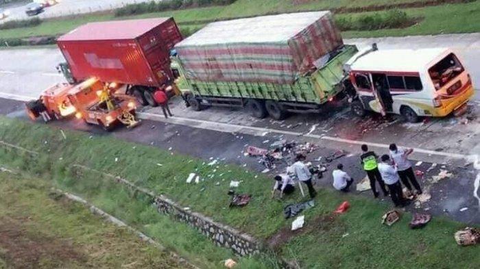 Kecelakaan di Tol Cipali Renggut 10 Nyawa, Ini Daftar Identitas Mereka -  Tribunnews.com Mobile
