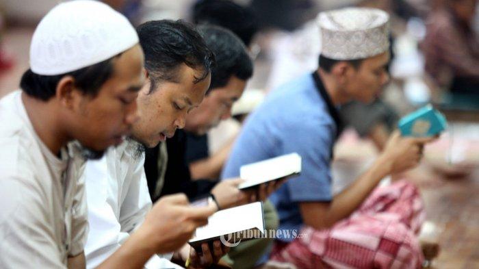 Adakah Doa Khusus yang Dibaca Ketika Khatam Al-Quran di Bulan Ramadhan? Berikut Penjelasannya
