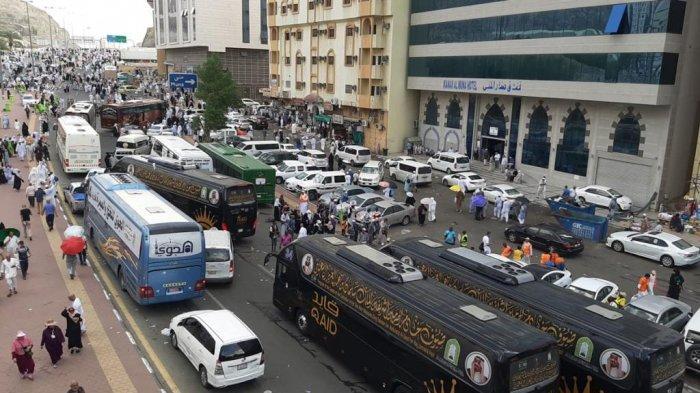 Suasana lalu lintas di Kota Makkah, Rabu (14/8/2019) pagi Waktu Arab Saudi. Ribuan jemaah haji pagi ini mulai meninggalkan Mina menuju hotel masing-masing.