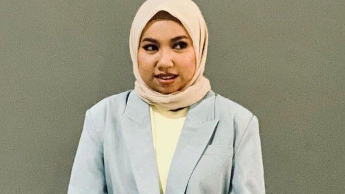 Kisah Laninka Siamiyono, Perempuan Hebat di Balik Aksi Sosial Lisptick Untuk Difabel