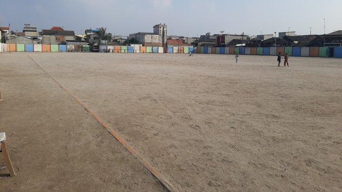 Lapangan Sepakbola Kalibaru Satu-satunya Lapangan yang Berbahan Pasir Adanya di Kalibaru Jakut