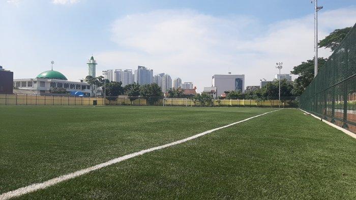 Yuk Intip Lapangan Sepakbola Sintesis Wijaya Kusuma di Jakarta Barat