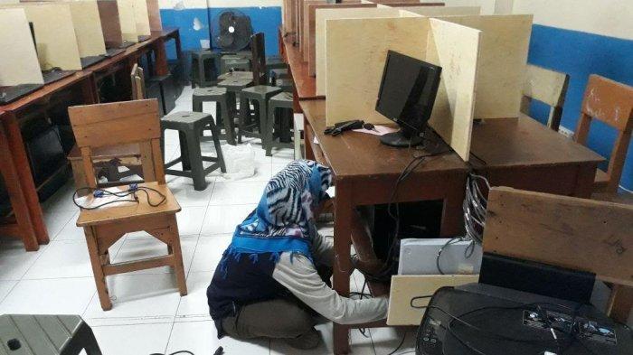 Waduh! Puluhan Laptop Untuk Ujian Nasional di Pondok Aren Digondol Maling
