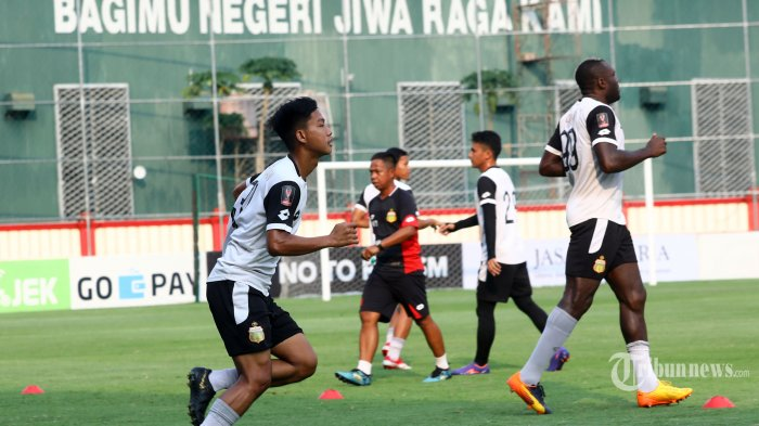 Bhayangkara FC Vs Persija: Indra Kahfi Percaya Duet I Putu Gede dan Anderson Salles