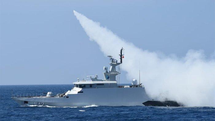 Dua Kapal Perang TNI AL Berhasil Menembakkan Rudal Hingga Targetnya Tenggelam di Perairan Natuna