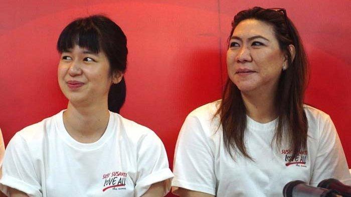 Susi Susanti dan Laura Basuki ketika ditemui di sela jumpa pers dan proses shooting film Susy Susanti Love All, di kawasan Istora Senayan, Jakarta Pusat, Rabu (19/9/2018).