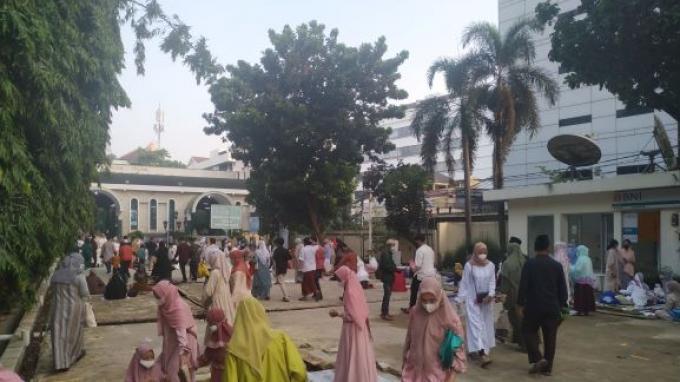 Gelar Salat Ied, Masjid Agung Sunda Kelapa Terpantau Ramai