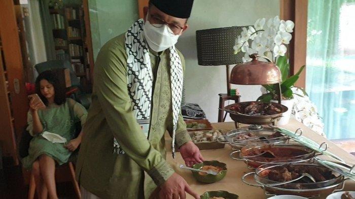 Mengintip Perayaan Idul Fitri di Rumah Pribadi Gubernur Anies, Silaturahmi Keluarga Secara Virtual