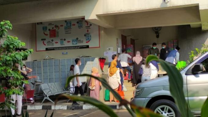 52 tahanan Komisi Pemberantasan Korupsi (KPK) beragama Islam diperbolehkan menerima kunjungan tamu atau keluarga saat perayaan Idulfitri 2021 yang jatuh pada Kamis (13/5/2021) hari ini.