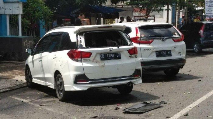 Ledakan terjadi di depan Gereja Katedral Makassar, Minggu (28/3/2021).