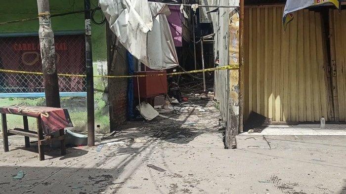 Polisi Cium Bau Menyengat dari Sumber Ledakan di Teluk Gong
