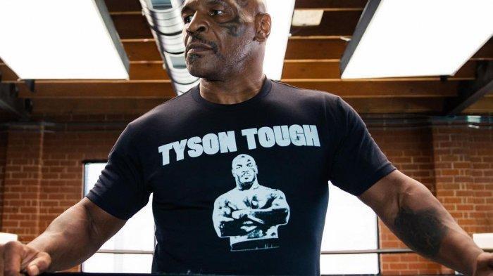 Tantang Floyd Mayweather Jr Bertinju, YouTuber Ini Dianggap tak Waras oleh Mike Tyson