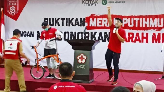 Bantu PMI, Sandiaga Uno Lelang Sepeda Brompton Bertandatangan Jusuf Kalla Miliknya