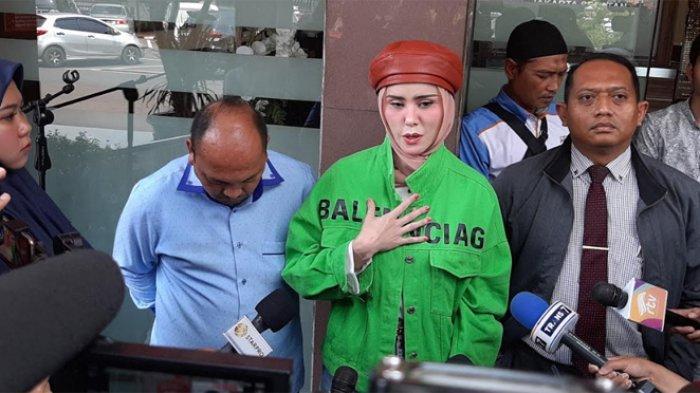 Angel Lelga saat ditemui di Polres Metro Jakarta Selatan, Kebayoran Baru, Jakarta Selatan, Senin (9/12/2019).