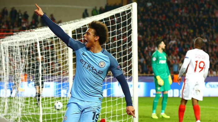 Penyerang Manchester City, Leroy Sane merayakan gol ke gawang AS Monaco