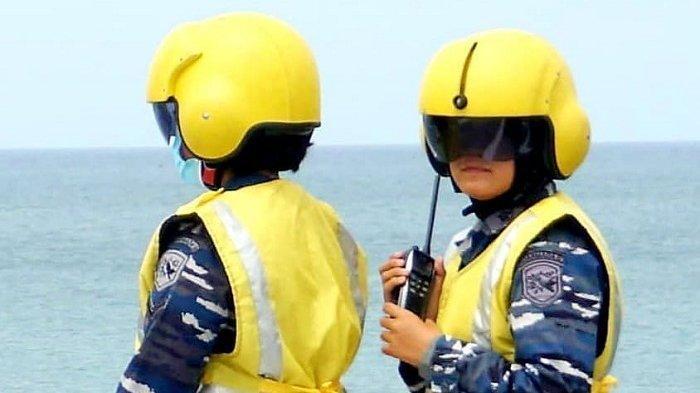 Peran Vital Letda Dita, Srikandi TNI AL Pemandu Pendaratan Helikopter di RS Apung KRI Soeharso