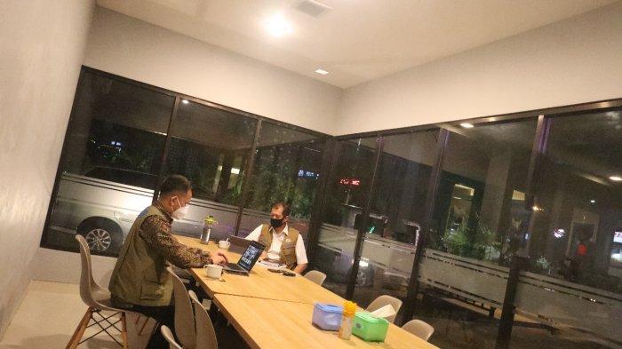 Cerita Doni Monardo Berkantor dan Rapat di Rest Area KM 360