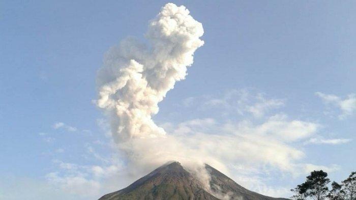 Gunung Merapi Semburkan Awan Panas Setinggi 1.500 Meter, Wilayah Tlogolele Hujan Abu Tipis