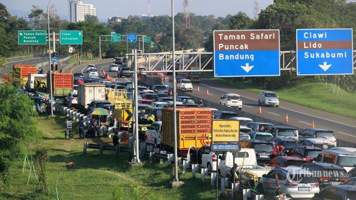 Ilustrasi kemacetan. Sejumlah kendaraan menuju Puncak terjebak macet di kawasan Gadog, Megamendung, Kabupaten Bogor, Jawa Barat
