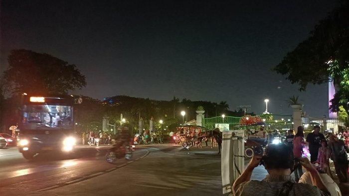 Cegah Kerumunan di Monas, Satpol PP Imbau Pengujung dan Pedagang Pulang