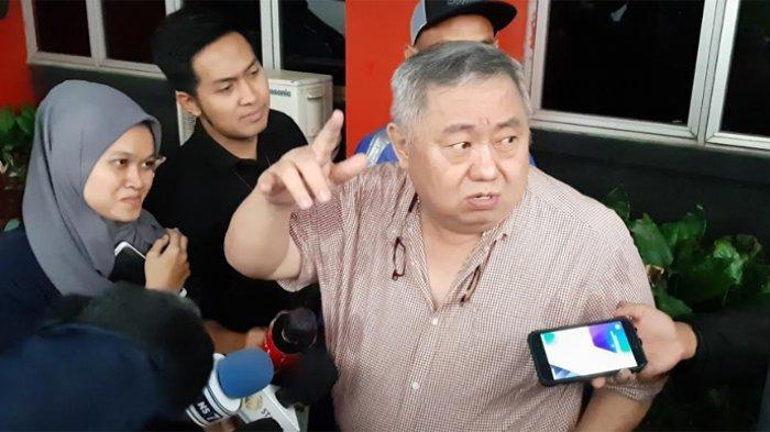 Lieus Sungkharisma yang ditemui usai membesuk Ahmad Dhani, di LP Cipinang, Jakarta Timur, Jumat (27/12/2019).